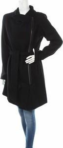 Czarny płaszcz mbyM w stylu casual