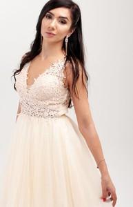 Sukienka Butik Ecru rozkloszowana na ramiączkach z tiulu