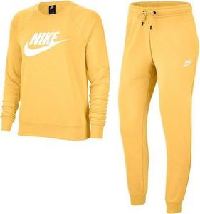 Dres Nike