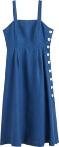 Niebieska sukienka Mango z dekoltem w karo szmizjerka w stylu casual