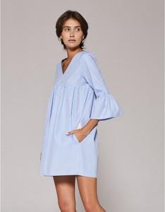 Niebieska sukienka Klaudyna Cerklewicz z tkaniny mini z długim rękawem