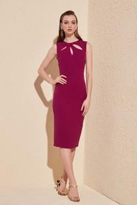 Fioletowa sukienka Trendyol dopasowana