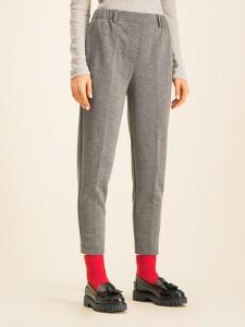 Spodnie Tommy Hilfiger w młodzieżowym stylu