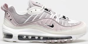 Różowe buty sportowe Nike sznurowane ze skóry na platformie