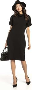 Czarna sukienka Tessita z bawełny z golfem z krótkim rękawem