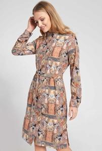 Sukienka QUIOSQUE w stylu casual szmizjerka z długim rękawem