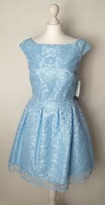 Niebieska sukienka Modello rozkloszowana bez rękawów