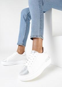 Buty sportowe born2be sznurowane w sportowym stylu z płaską podeszwą