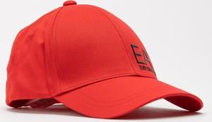 Czerwona czapka Emporio Armani