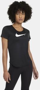 Czarny t-shirt Nike w sportowym stylu z krótkim rękawem