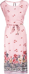 Różowa sukienka Multu mini z okrągłym dekoltem