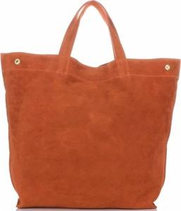 Brązowa torebka Vera Pelle ze skóry w stylu casual