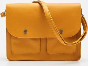 Pomarańczowa torebka Cropp średnia w stylu retro matowa