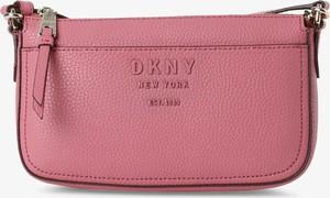 Różowa torebka DKNY matowa do ręki w stylu glamour