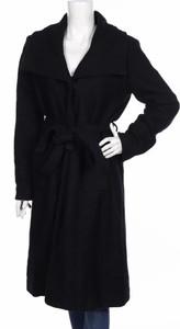 Czarny płaszcz New York & Company
