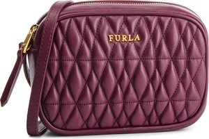 Fioletowa torebka Furla w młodzieżowym stylu na ramię
