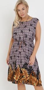 Fioletowa sukienka born2be mini bez rękawów
