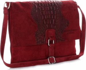 Czerwona torebka VITTORIA GOTTI na ramię w stylu boho średnia