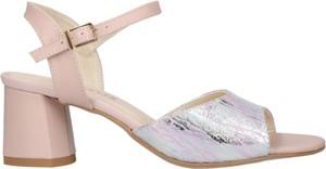 Różowe sandały LAMELIA na obcasie