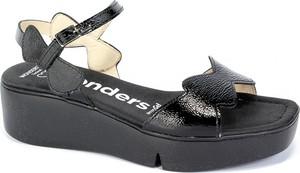 Sandały Wonders ze skóry z klamrami w stylu casual