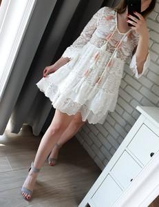 Sukienka MON BOUTIQUE z dekoltem w kształcie litery v oversize w stylu casual