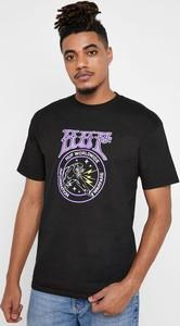 Czarny t-shirt HUF w młodzieżowym stylu