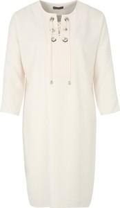 Sukienka Apart prosta mini z długim rękawem