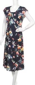 Sukienka Bonita z dekoltem w kształcie litery v