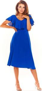 Niebieska sukienka Awama z krótkim rękawem midi