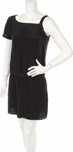 Czarna sukienka Capasca mini w stylu casual
