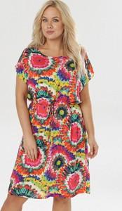 Sukienka born2be midi z okrągłym dekoltem