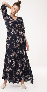 Granatowa sukienka born2be maxi z dekoltem w kształcie litery v z długim rękawem