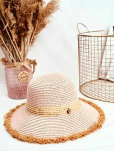 Różowa czapka Bruno Rossi