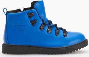 Niebieskie buty dziecięce zimowe Reserved sznurowane
