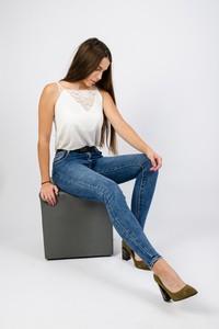 Niebieskie jeansy Olika w stylu casual