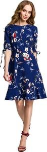 Niebieska sukienka MOE z długim rękawem