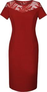Czerwona sukienka Fokus w stylu klasycznym dopasowana z tkaniny