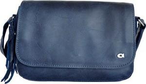Granatowa torebka DAAG średnia w stylu casual ze skóry
