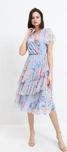 Niebieska sukienka Mohito z okrągłym dekoltem z krótkim rękawem