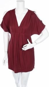 Czerwona sukienka Lush mini rozkloszowana z krótkim rękawem