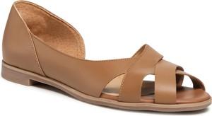 Brązowe sandały Ryłko z płaską podeszwą
