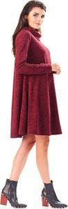 Czerwona sukienka Awama z dzianiny z golfem z długim rękawem
