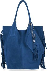 Niebieska torebka VITTORIA GOTTI matowa z zamszu w stylu boho