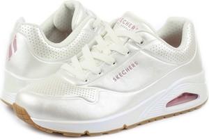 Buty sportowe Skechers sznurowane w sportowym stylu