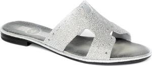 Srebrne klapki Lemar z płaską podeszwą w stylu casual