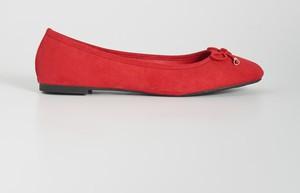 Czerwone baleriny Sinsay