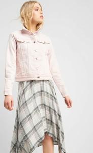 11aecf8b05ef7 Różowa kurtka ORSAY w stylu casual z jeansu