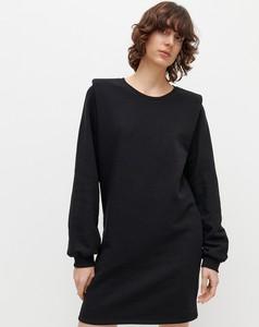 Czarna sukienka Reserved mini prosta w stylu casual