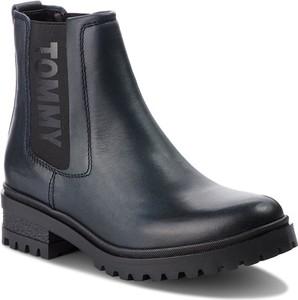 Czarne botki Tommy Jeans ze skóry ekologicznej na obcasie