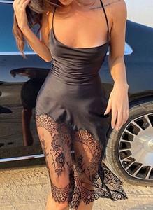 Sukienka Cikelly z dekoltem w kształcie litery v dopasowana